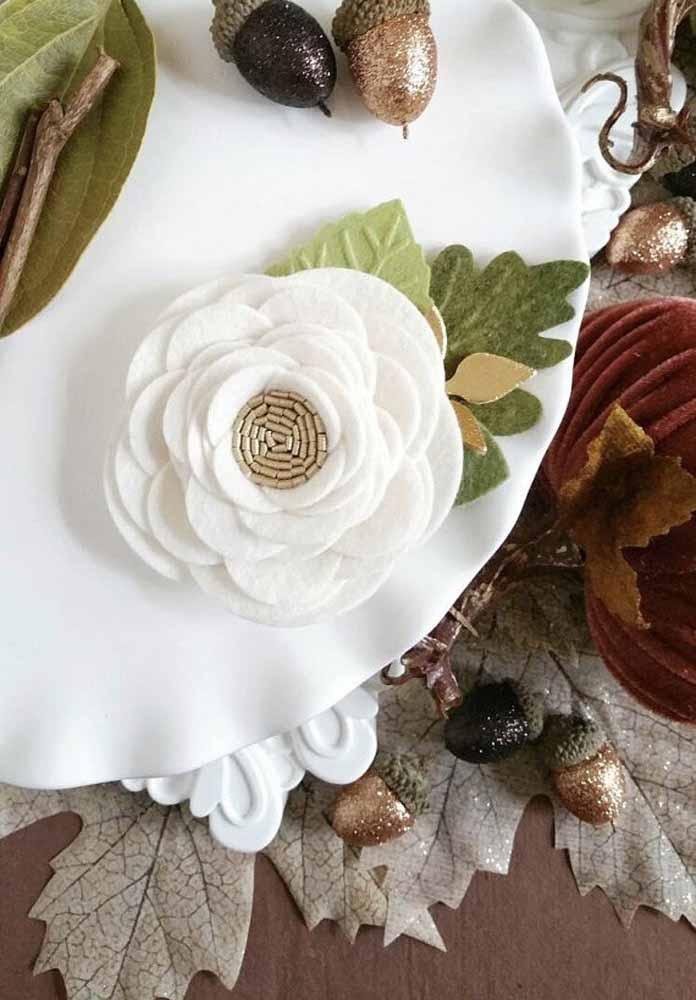 Outra ideia para fazer com feltro e até decorar a mesa para festas e ocasiões especiais