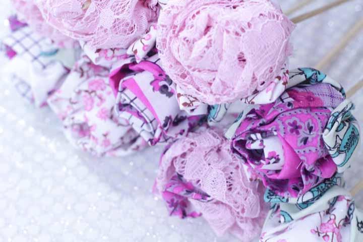 Rosas no palito com várias texturas, estampas e cores para fazer arranjos
