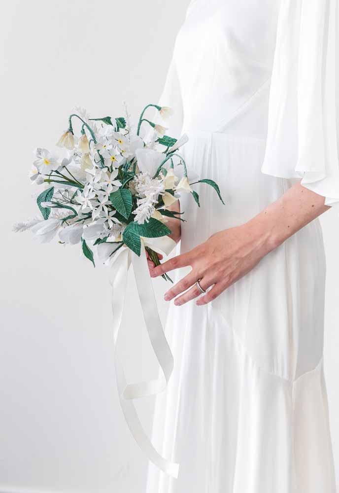 Arranjo com flores de papel: Sutis para buquês ou decoração de casamento