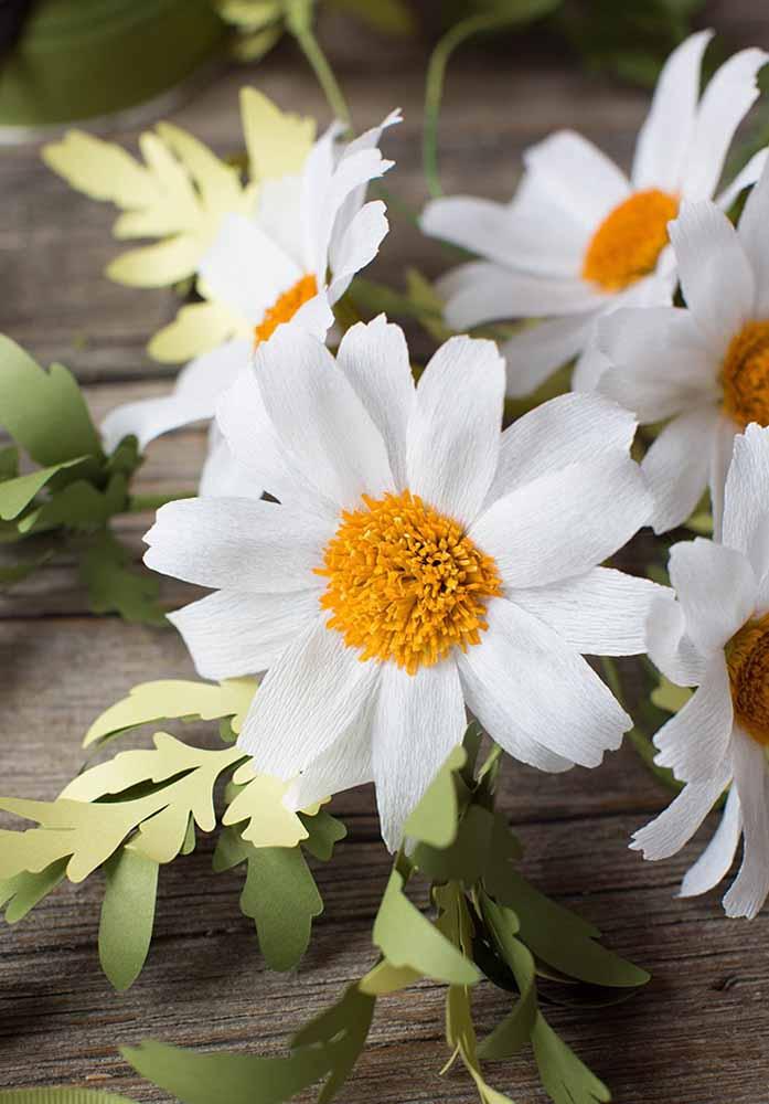 Flores de papel de seda: Margaridas, lindas flores que enfeitam bem a todo lugar.