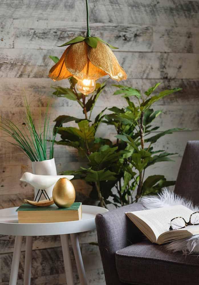 Que tal fazer de sua luminária pendente uma grande flor de papel?