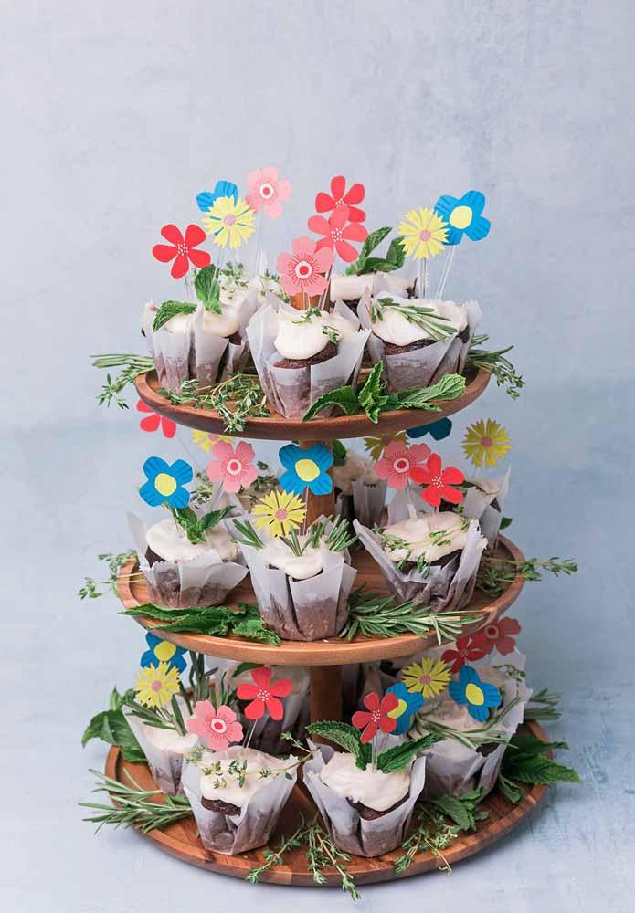 Aposte no colorido: Flores de papel para festas ou até mesmo para enfeitar os docinhos de aniversário