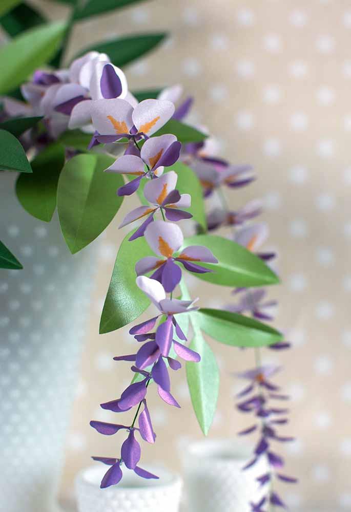 Delicada e repleta de pureza: flores de papel