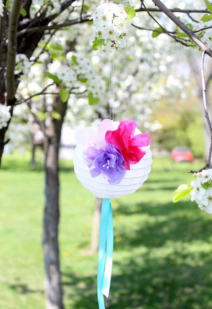 Flores de papel de seda: Para jardim, em festas ao ar livre