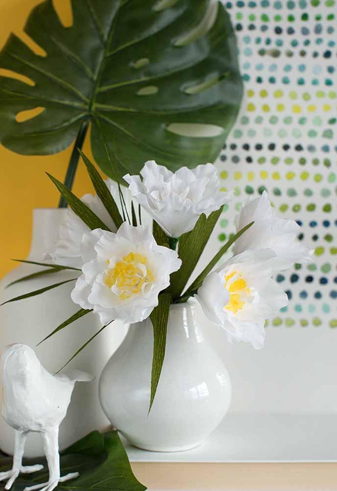 Flores de papel branca para transmitir mais serenidade ao local