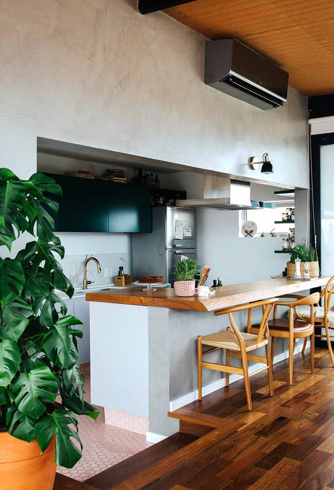 Cozinha americana de madeira: Além de muito funcional, esse modelo é ideal para quem curte o aconchego do estilo rústico