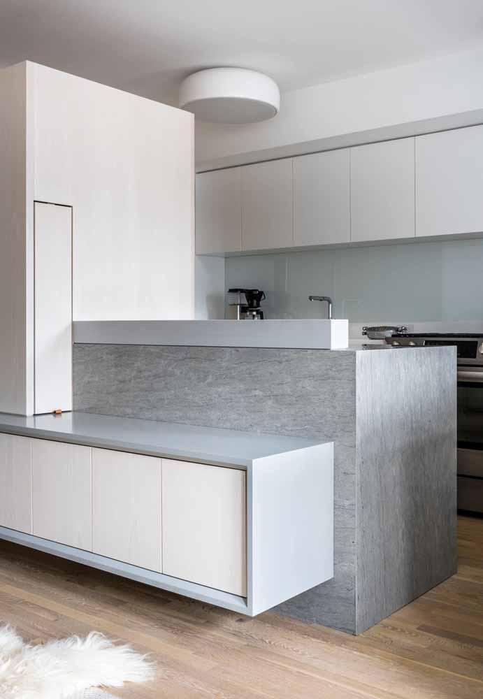 Modelo de cozinha off white: elegância e luminosidade