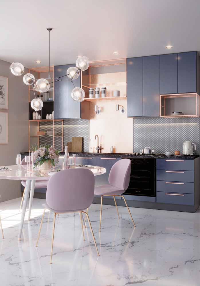 Use de tons pastéis na decoração da sua cozinha em linha para criar um ambiente delicado