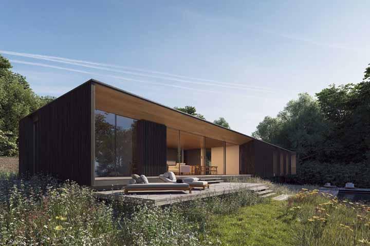 Projeto moderno do escritório Strom Architects construído em meio a natureza
