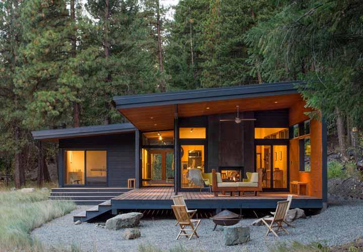 Refúgio em meio a natureza criado pelo escritório Prentiss Balance Wickline Architects