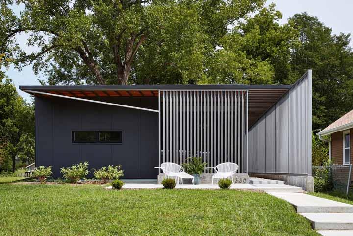 Por fora, o projeto do escritório Studio 804 inspira modernidade e aconchego ao mesmo tempo