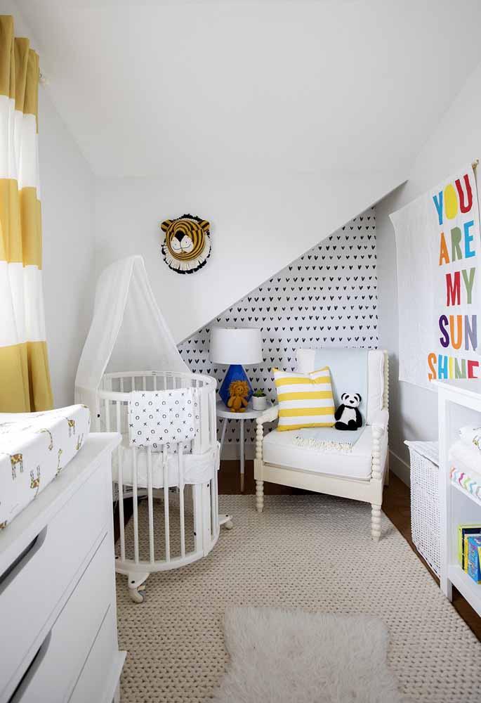 A construção do cômodo possui alguma irregularidade? Se inspire neste exemplo para incorporar soluções criativas!