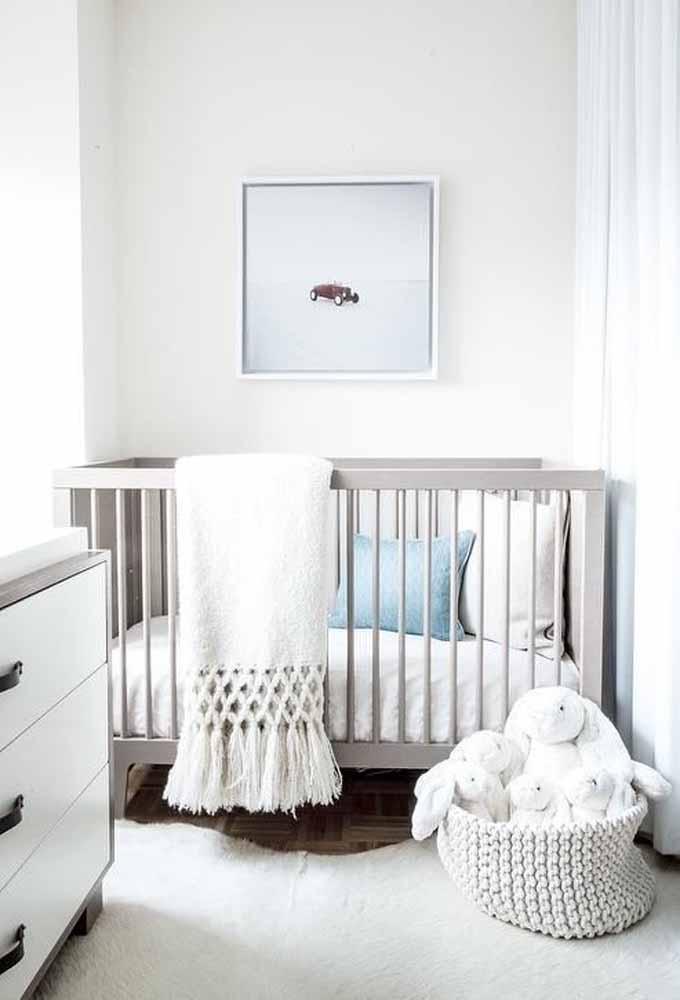 Num estilo clean, decoração de quarto de bebê simples mas com muito conforto e tranquilidade