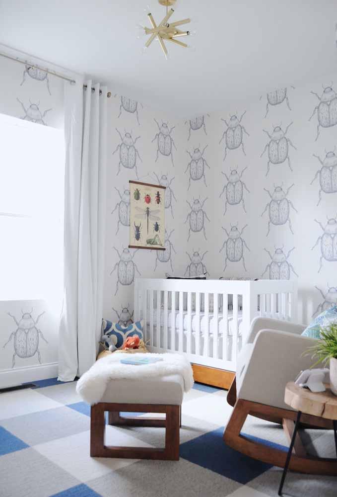 Plantinhas e besouros nesta decoração de quarto de bebê que tem um clima super agradável e confortável