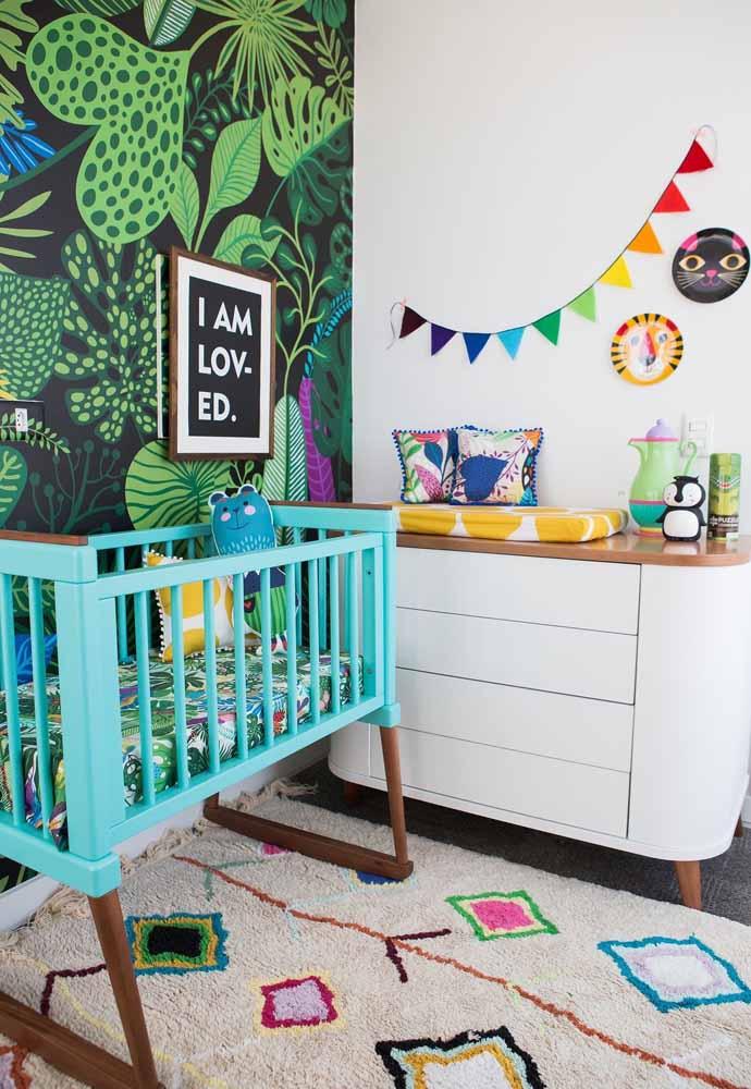 Muita cor, sim senhor, nesta decoração de quarto de bebê simples mas muito divertido e alegre!