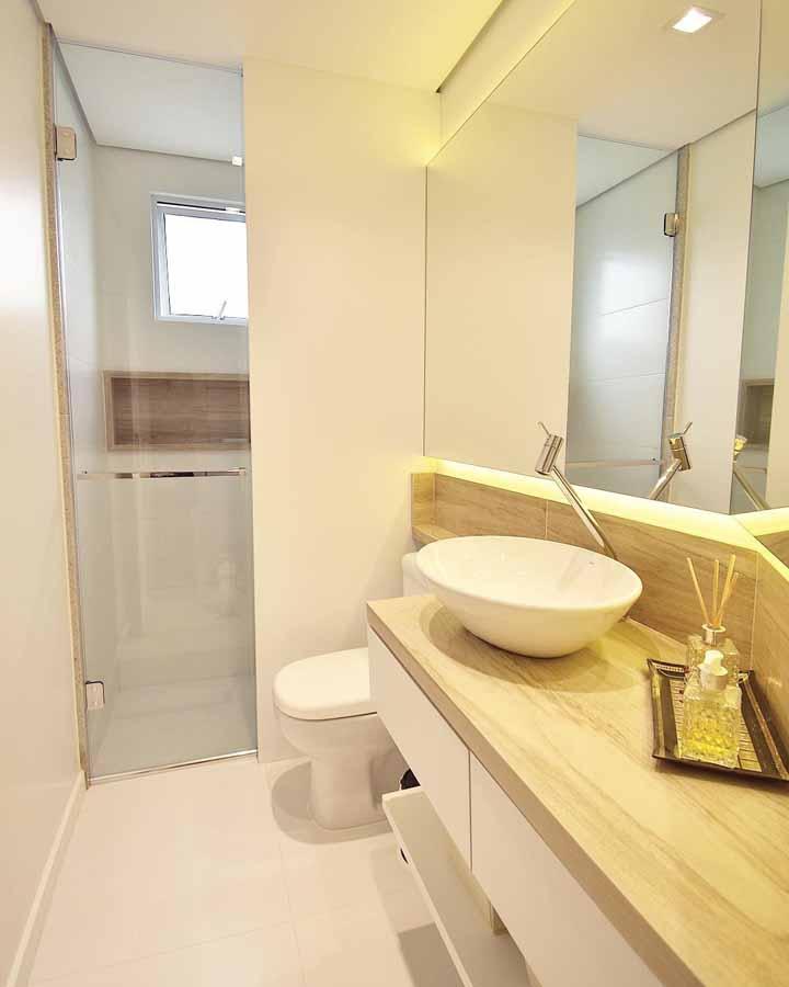 Cubas de sobrepor são uma ótima alternativa para mudar o visual do banheiro de modo simples, rápido e barato