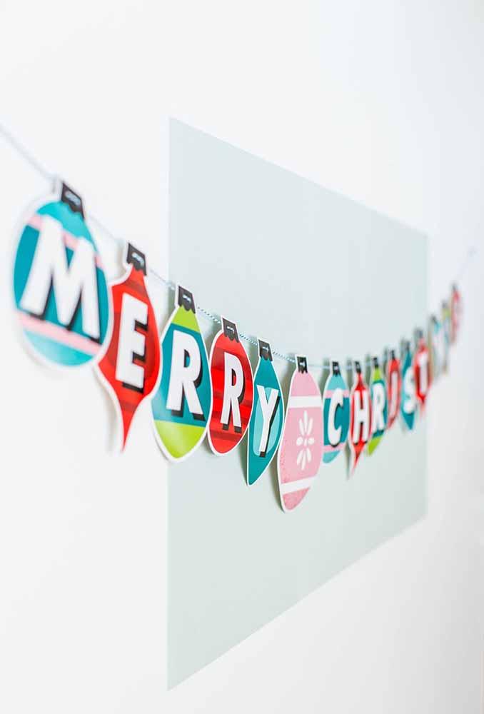 Letras de Feliz Natal feitas de papel