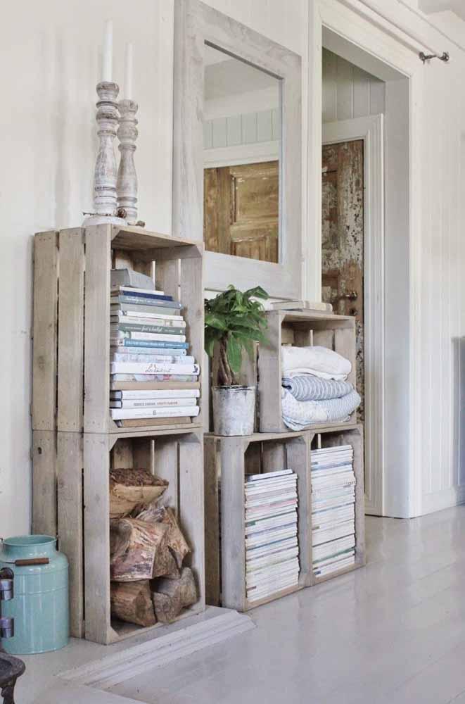 Se tiver dificuldades de fixar na parede, apenas empilhe os caixotes