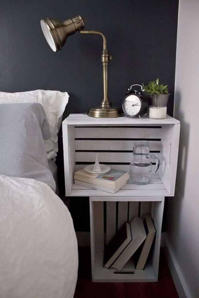 Outro modelo de mesinha de apoio para colocar ao lado da sua cama