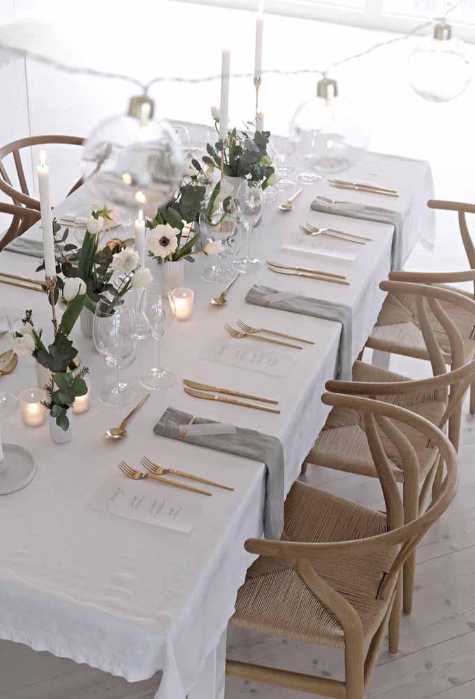 Uma mesa organizada vai deixar a sua ceia de natal sofisticada