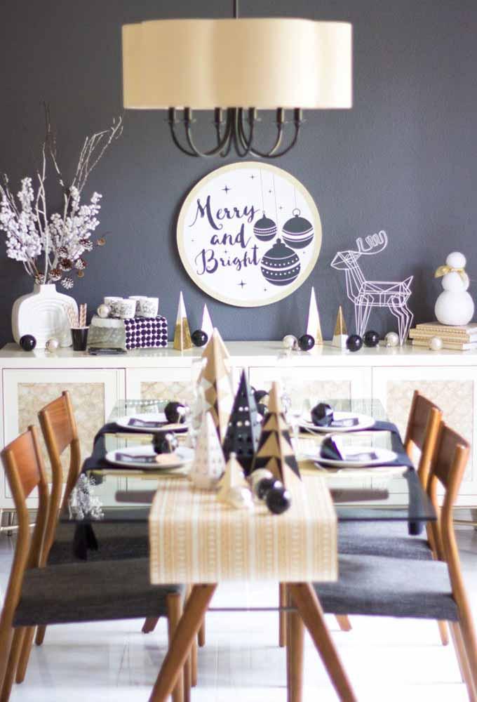 Combine as cores dos móveis com os enfeites da mesa