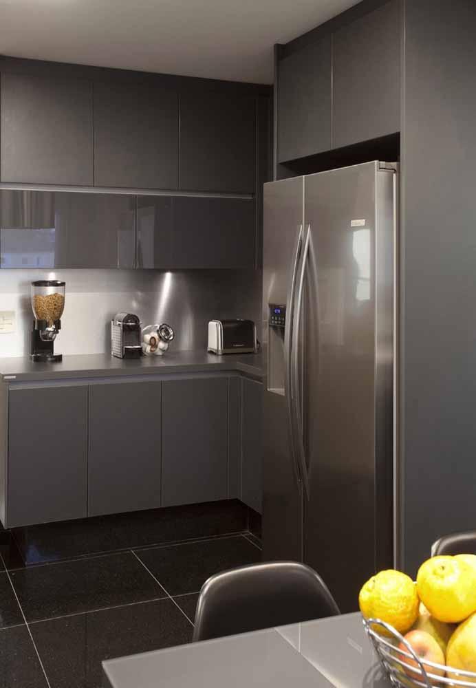 O piso precisa combinar com os móveis da cozinha
