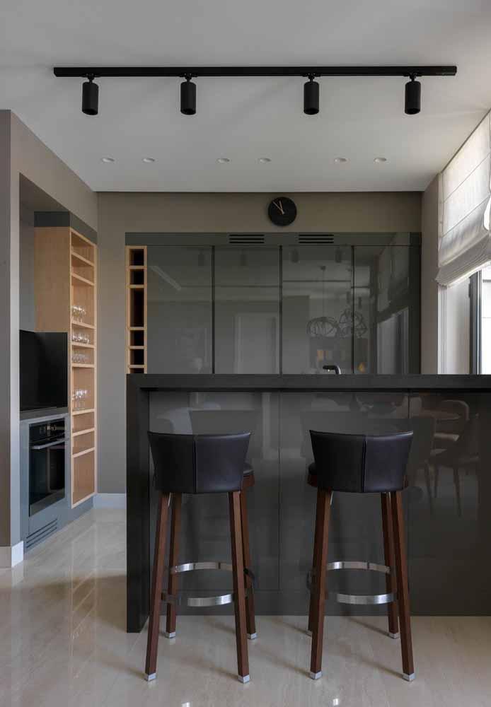 Impressionante como a cor cinza deixa qualquer cozinha mais moderna e sofisticada
