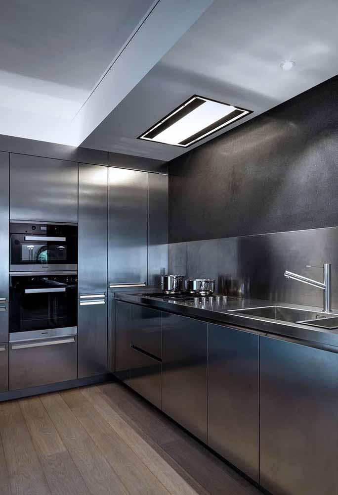 Aposte em uma cozinha em inox total