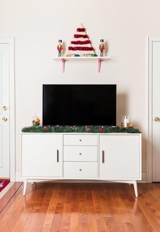 Não deixe o banheiro de fora da decoração de natal, basta inserir alguns itens natalinos
