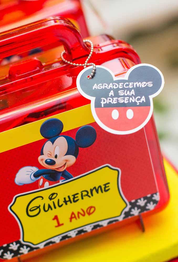 As lembrancinhas não podem faltar na festa e devem ser personalizadas com o tema do Mickey