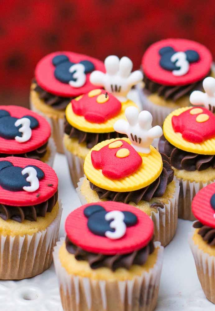 Os cupcakes vão ficar ainda mais gostosos com essa cobertura