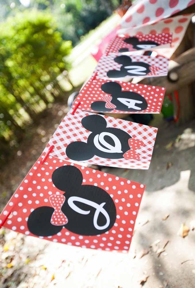 Decore a festa com bandeirinhas