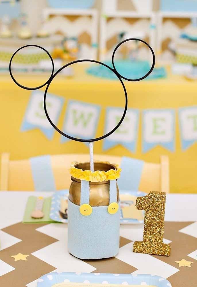 A decoração com o tema Mickey baby é sempre uma fofura