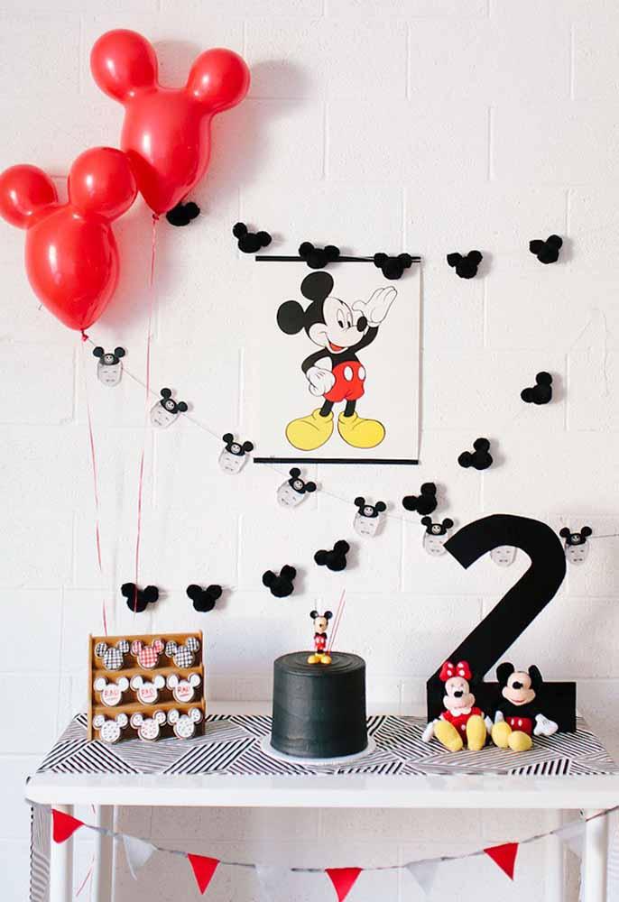 Festa simples com o tema Mickey