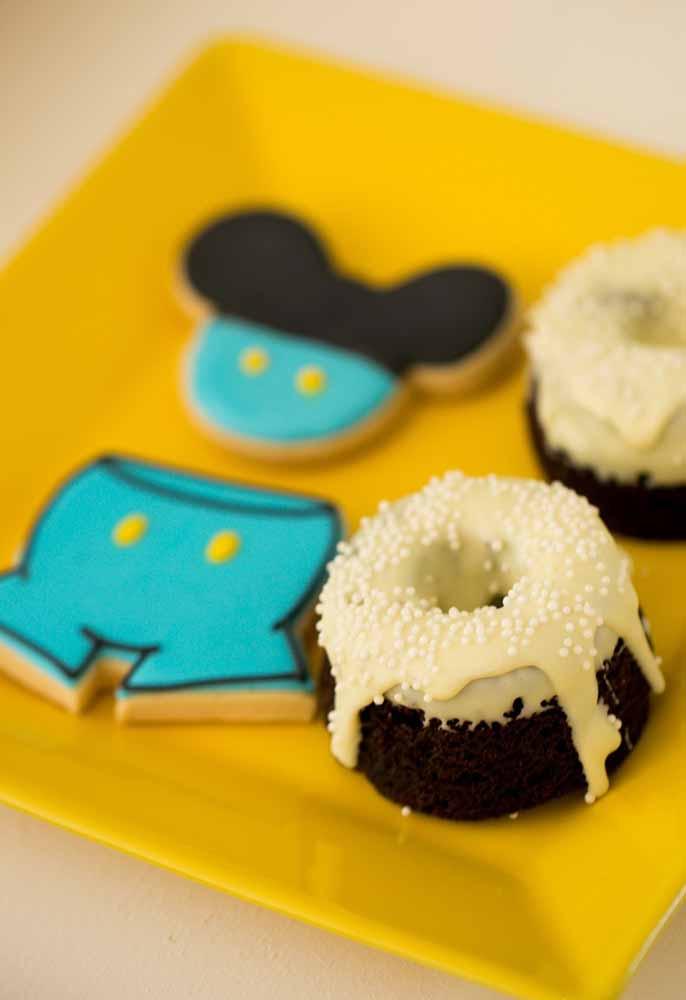 A delicadeza dos doces para complementar o cenário