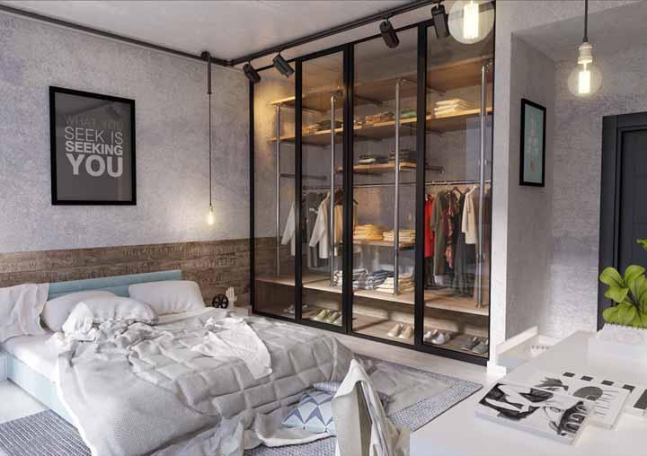 Deixe o guarda-roupa ainda mais moderno e com uma pegada industrial usando canos em seu interior