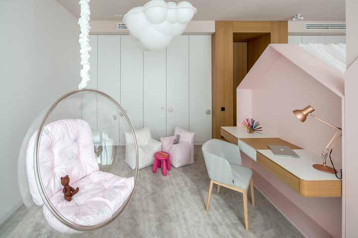 Tudo combinando nesse quarto: cores, formas e texturas