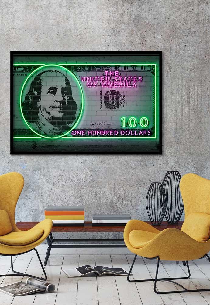 Um quadro feito de neon, além de decorar a casa, deixa o espaço mais iluminado
