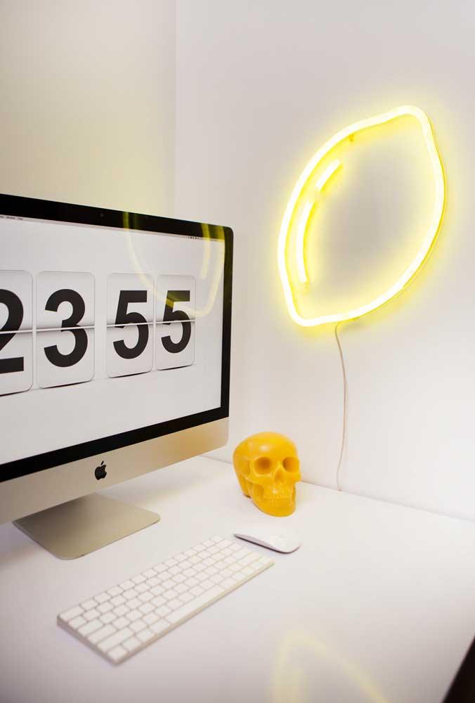 Para iluminar o ambiente de trabalho