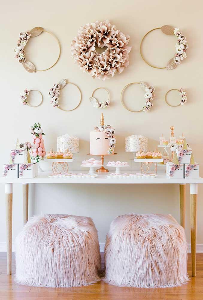 Uma decoração mais clean é perfeita para quem deseja fazer um aniversário simples