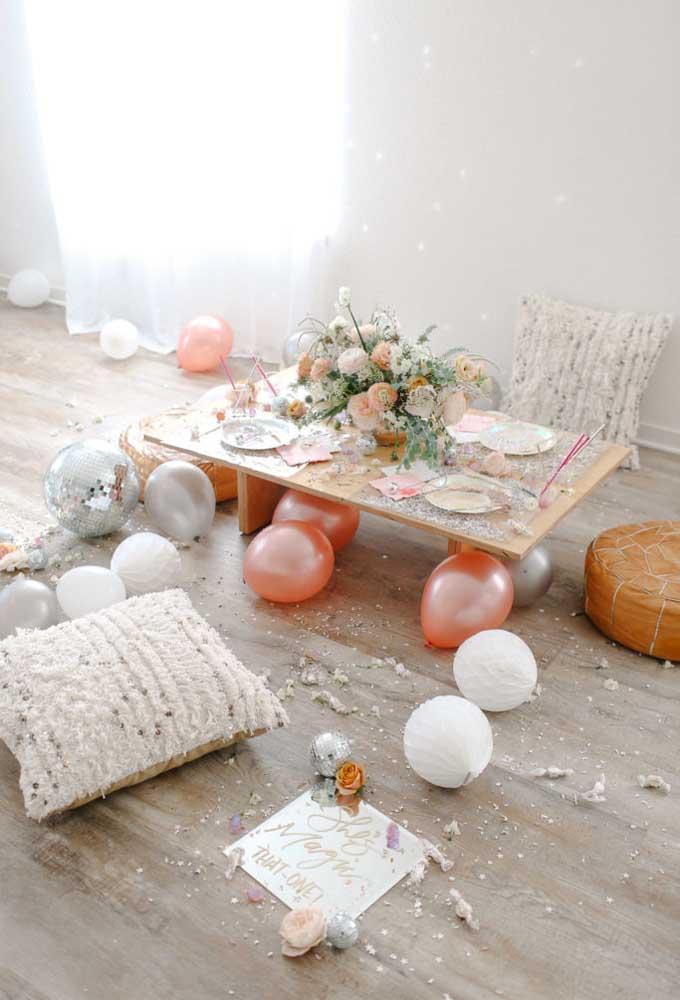 Não é porque a decoração de aniversário é simples que o momento não pode ser divertido