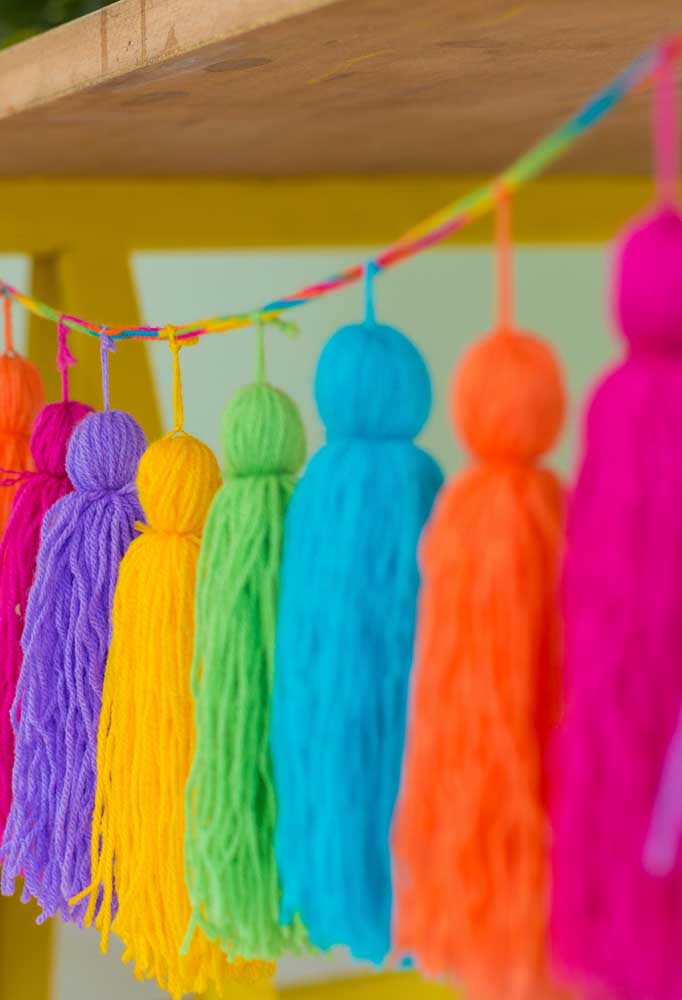 Uma festa colorida é muito mais divertida