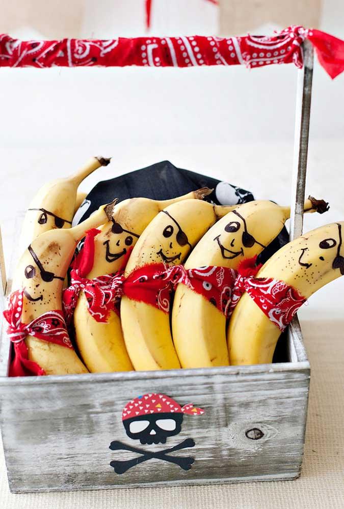 Não basta apenas servir bananas, desenhe uma carinha divertida para a fruta ficar mais atrativa