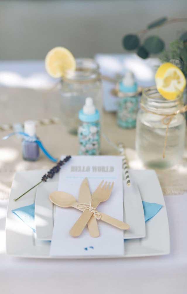 A decoração do chá de bebê e fralda precisa conter itens que fazem parte da vida de um baby