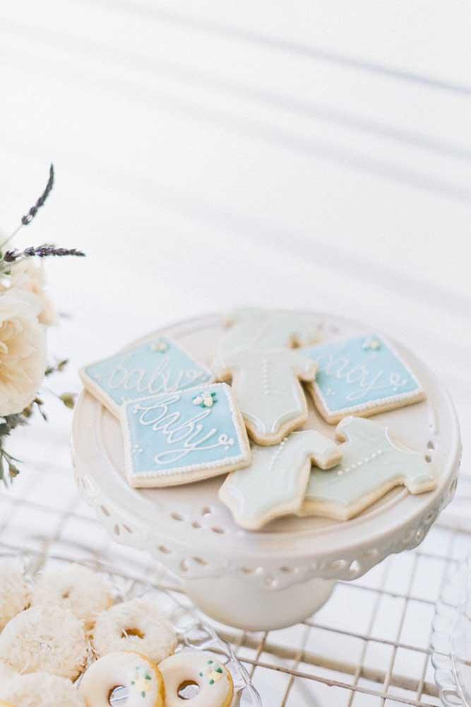 Já pensou em criar biscoitos no formato de body e outros itens do baby?