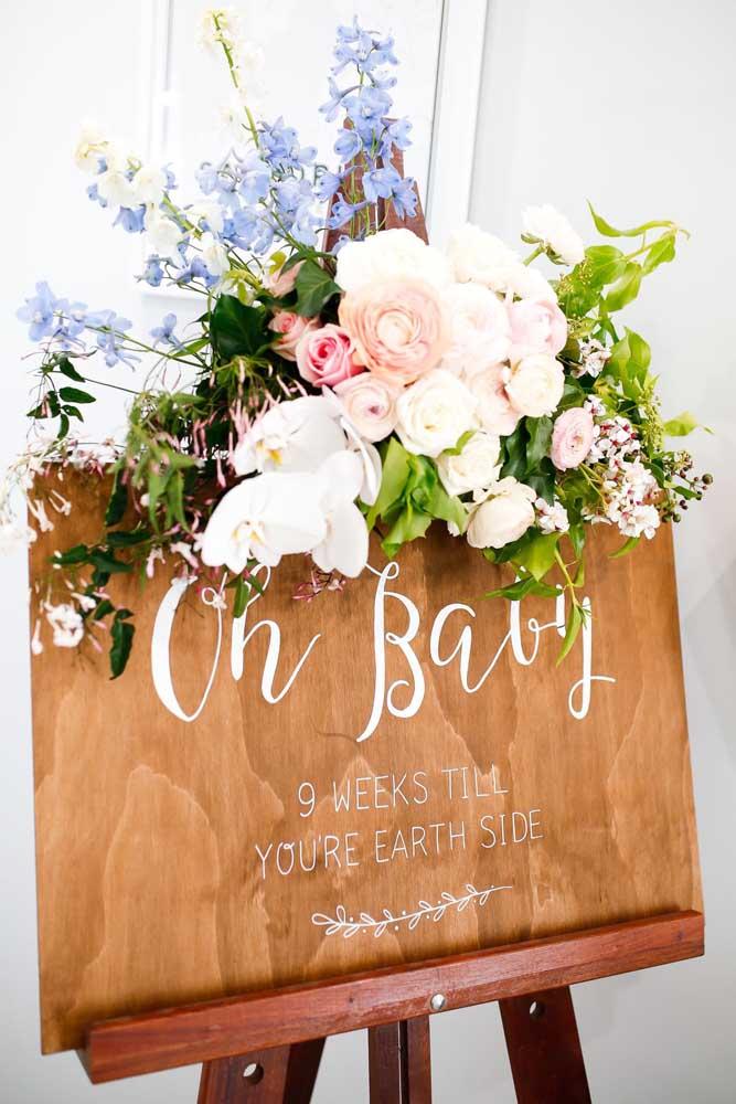 Faça uma placa linda para colocar na recepção do chá de bebê