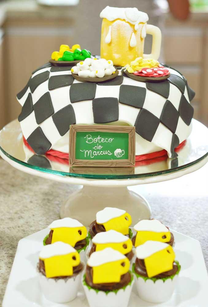 A pasta americana é excelente para produzir bolos personalizados como esse. O resultado é fantástico e surpreendente.