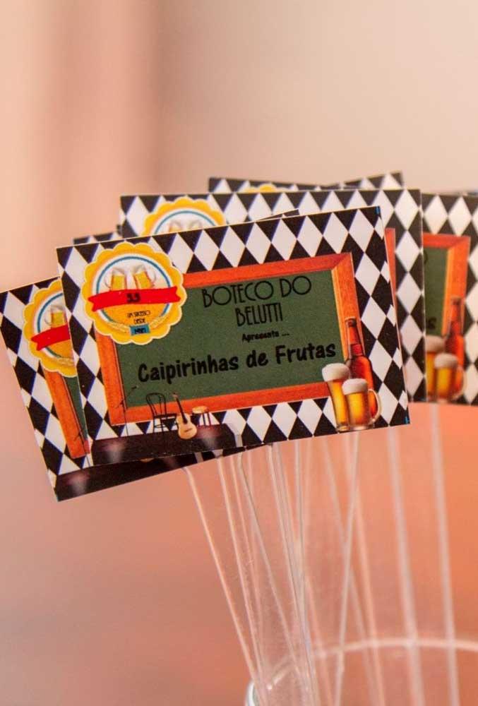 Faça alguns cartões personalizados para identificar o restante das bebidas como a caipirinha de frutas.