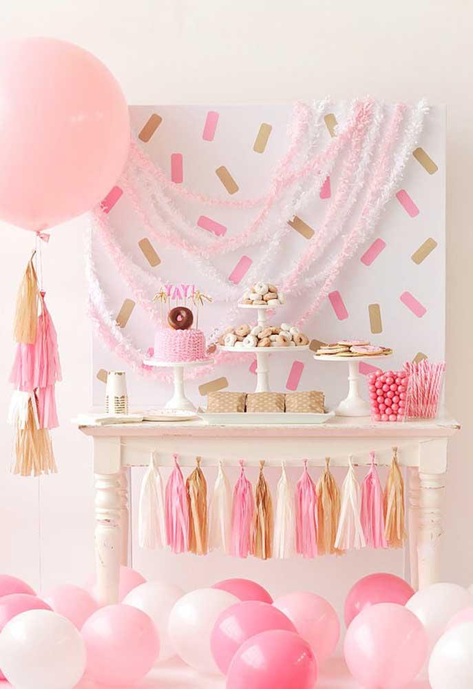 Para dar aquele toque mais feminino, use e abuse de itens na cor rosa e tons pastéis