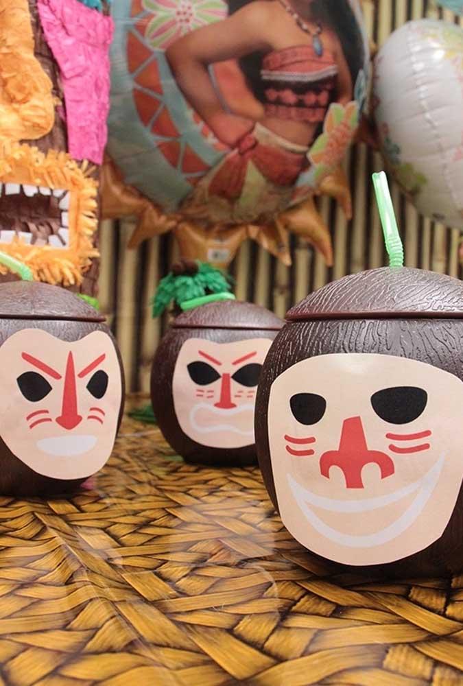 O coco é um item fundamental na festa da Moana, mas você pode usar a criatividade na apresentação
